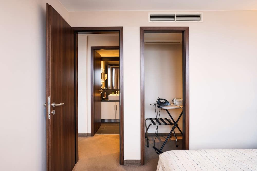 Superior Apartment, 1 Bedroom, Non Smoking, Kitchen - Living Area