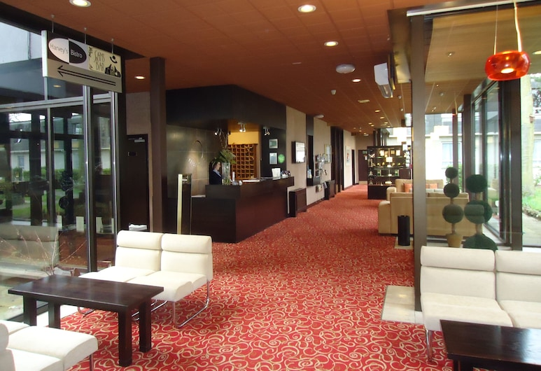 Pitbauchlie House Hotel, Dunfermline, Sala de estar en el lobby