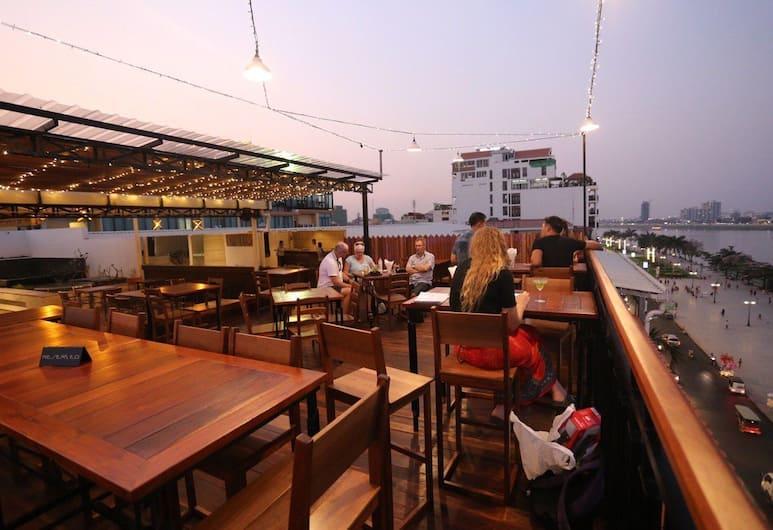 The Quay Boutique Hotel, Phnom Penh, Hotelový bar