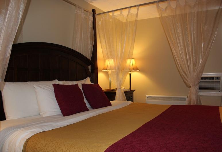 Nights Inn Owen Sound, Owen Sound, Room, 1 King Bed, Jetted Tub, Guest Room