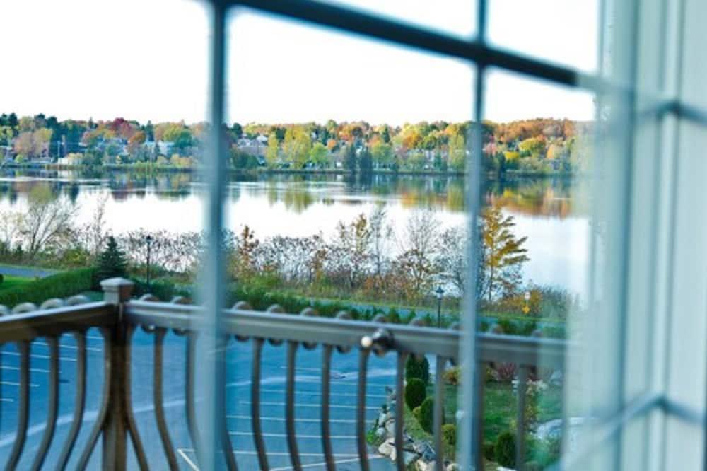 豪華客房, 1 張加大雙人床, 陽台, 湖景 - 浴室