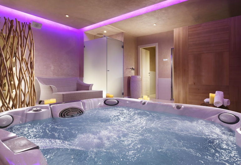 Leon's Place Hotel, Rome, Indoor Spa Tub