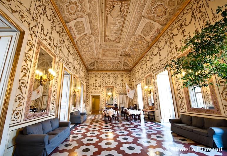 德庫瑪德尼迷人酒店, 那不勒斯