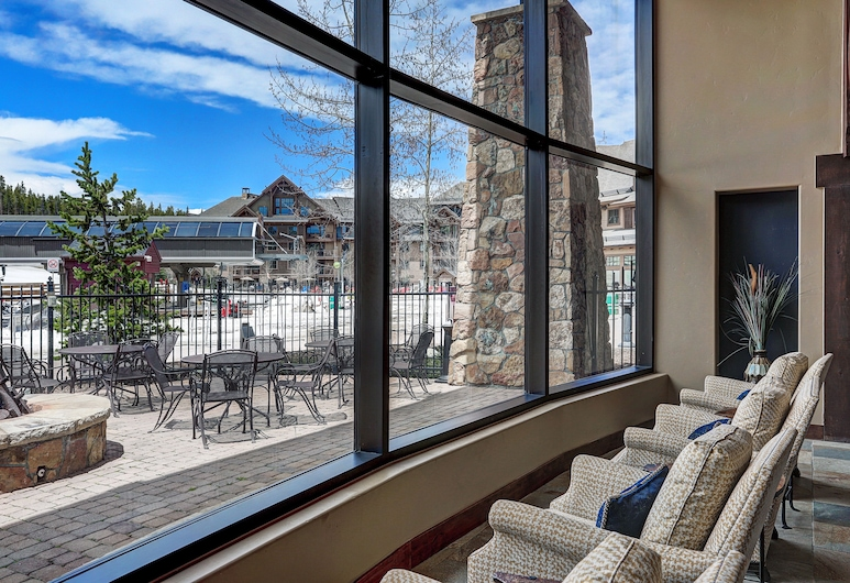 Crystal Peak Lodge, Breckenridge, Lobby