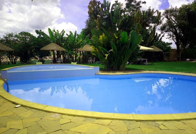 安可拉納居住飯店, 安塔那那利佛, 游泳池