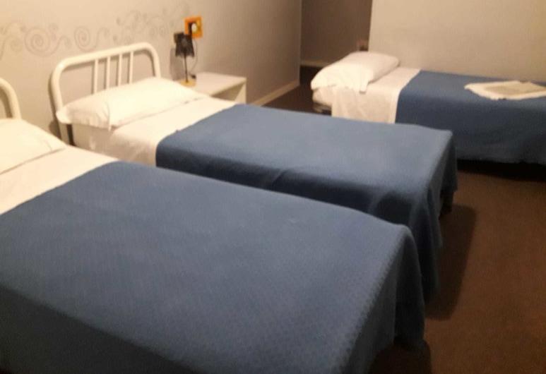 Hotel Della Loggia, Matelica, Standard Triple Room, Multiple Beds, Guest Room