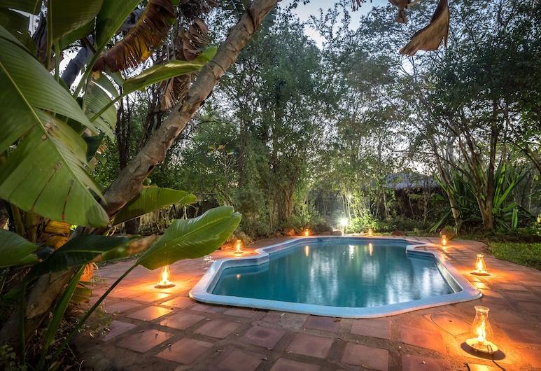 Taita Falcon Lodge, Livingstone, Outdoor Pool