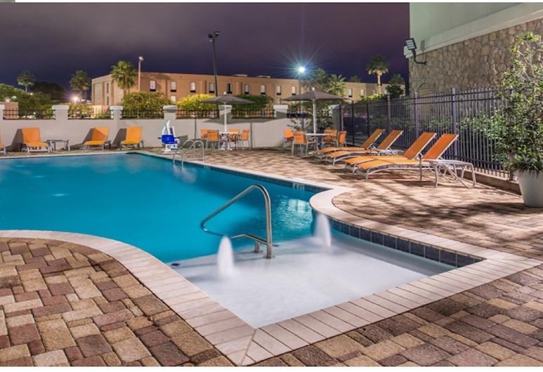 ฮอลิเดย์อินน์เอ็กซ์เพรสแอนด์สวีทส์ ลาเพลซ - เครือโรงแรมไอเอชจี, ลาเพลซ, สระว่ายน้ำ