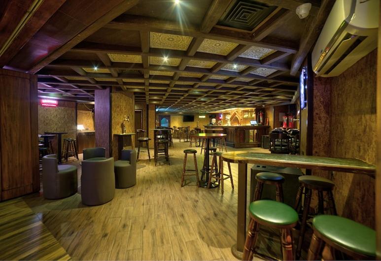 Goldfinch Hotel, Мангалор, Бар готелю