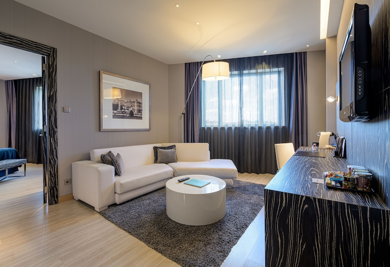 Hotel Maydrit Airport, Madrid, Suite, Guest Room