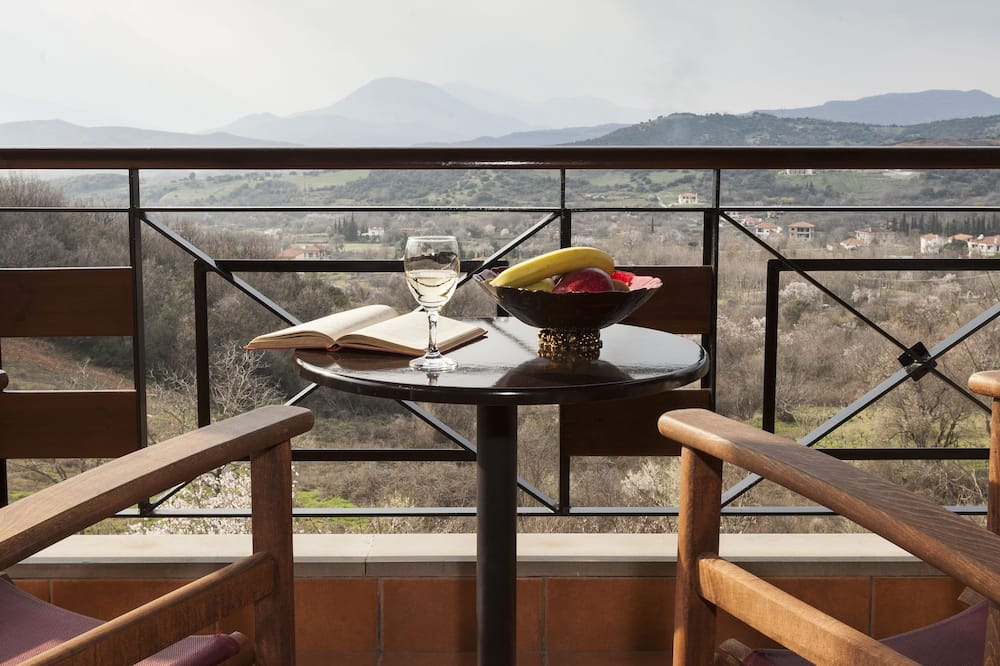 Trojlôžková izba, výhľad na hory - Balkón