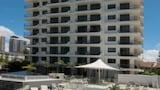 Choose This 3 Star Hotel In Broadbeach
