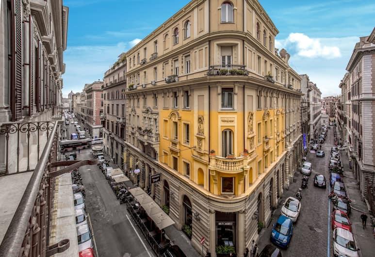 Suitedreams, Roma, Esterni