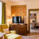 Classic Suite, 1 Bedroom - Living Area