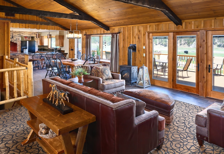 Rock Crest Lodge And Cabins, Custer, Bungalow presidencial, 6 habitaciones, con acceso para silla de ruedas, cocina, Habitación