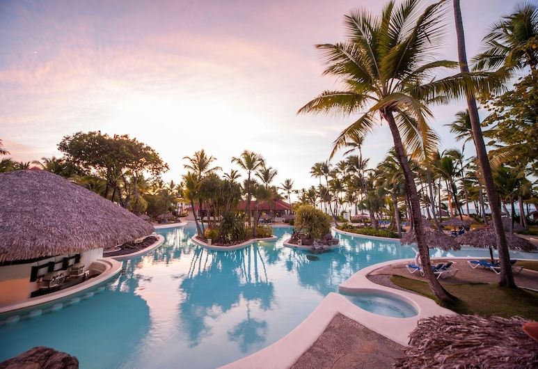 Grand Bávaro Princess All Suites Resort, Spa & Casino - All Inclusive, Punta Cana, Outdoor Pool