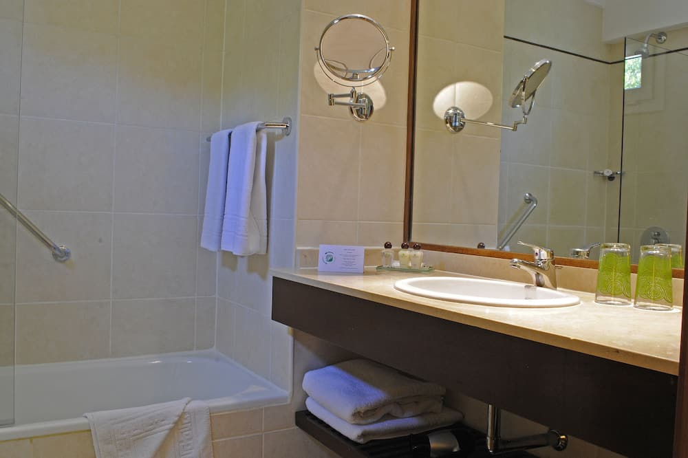 Standaard appartement, 1 kingsize bed, kitchenette - Badkamer