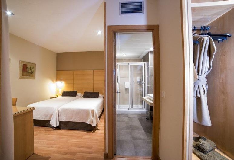 Hotel Serrano, Córdoba, Habitación triple, Habitación