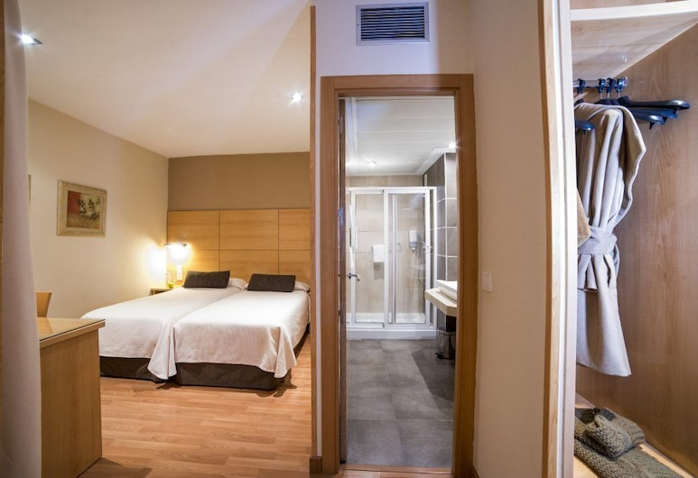 Hotel Serrano, Córdoba, חדר לשלושה, חדר אורחים