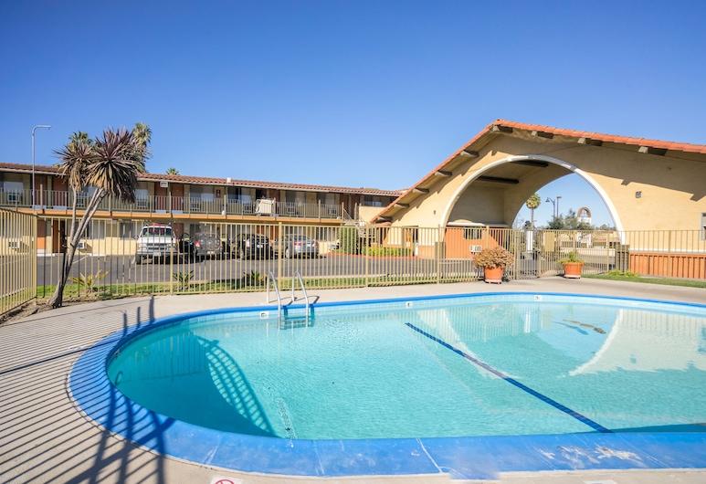 Bella Vista Inn, Santa Clara, Basen odkryty
