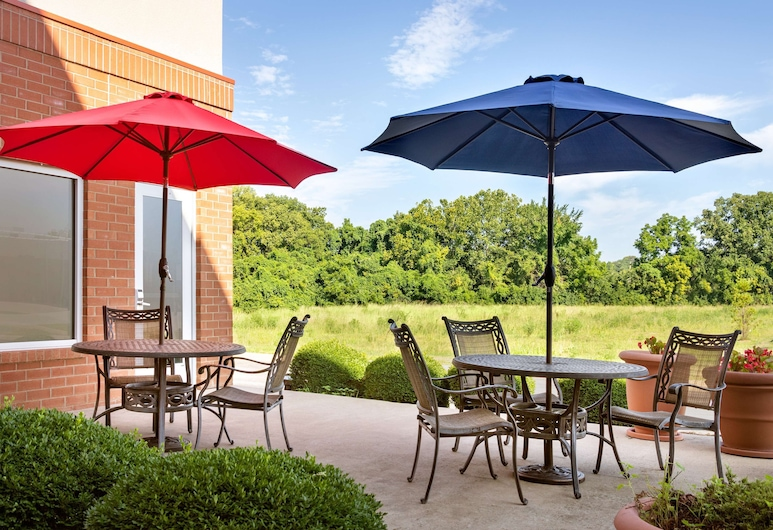 Hampton Inn St. Louis - Columbia, Columbia, Terrasse/Patio