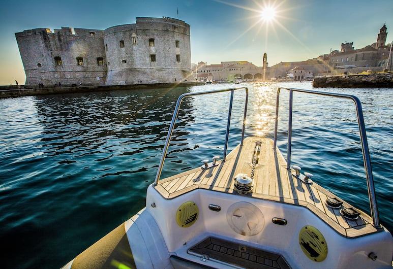 Hotel Kazbek, Dubrovnik, Botes