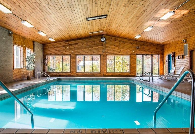 Econo Lodge Inn & Suites Munising Area, Munising, Sundlaug