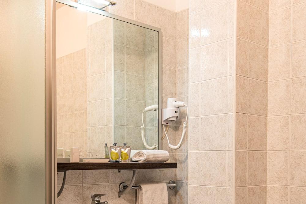 Chambre Double, balcon (Queen) - Salle de bain