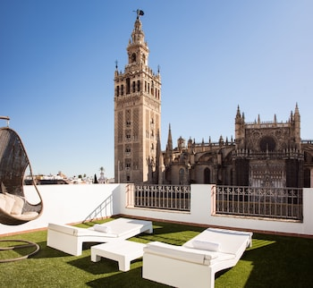 Picture of Puerta Catedral Apartments in Seville