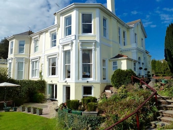 Choose This Luxury Hotel in Torquay