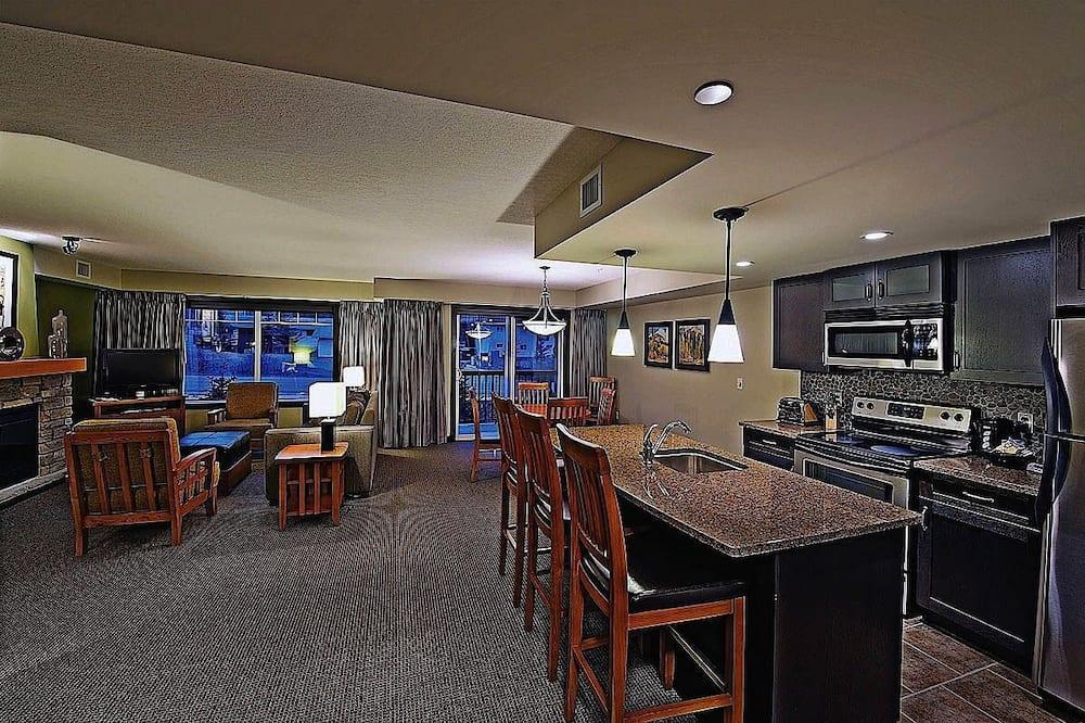 غرفة عائلية - غرفتا نوم - منطقة المعيشة