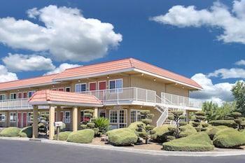 Picture of Days Inn by Wyndham Turlock in Turlock