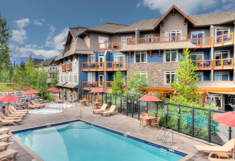 Blackstone Mountain Lodge by CLIQUE, Canmore, Outdoor Pool
