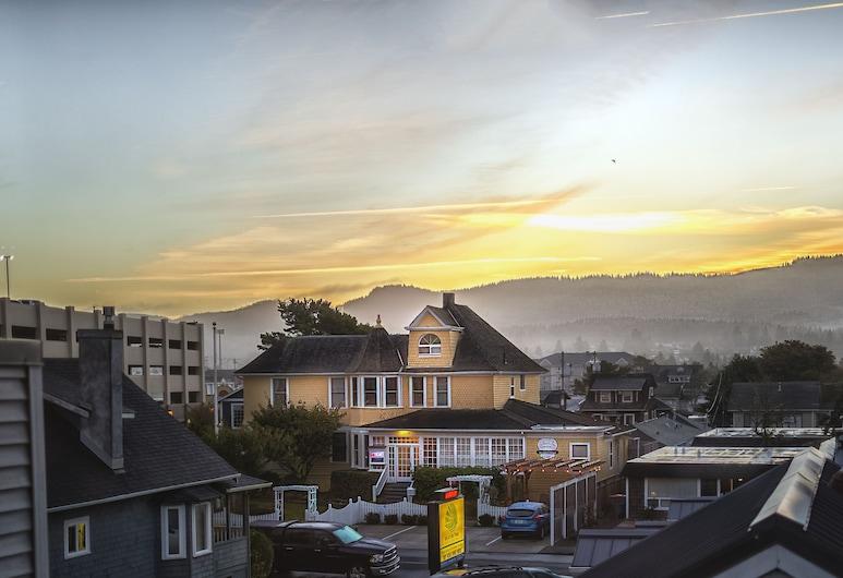 The Gilbert Inn, Seaside, Hotel Front – Evening/Night