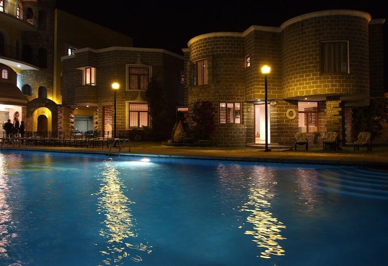泰波佐蘭大廈飯店, 提波特左特蘭, 游泳池