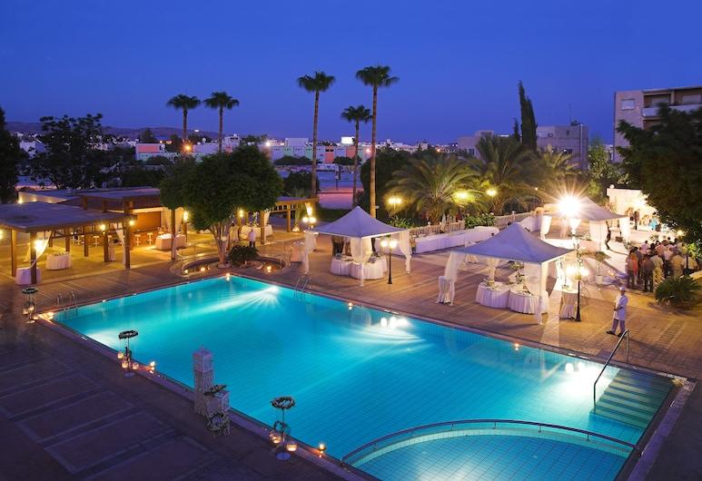Ajax Hotel, Limassol, Lauko baseinas