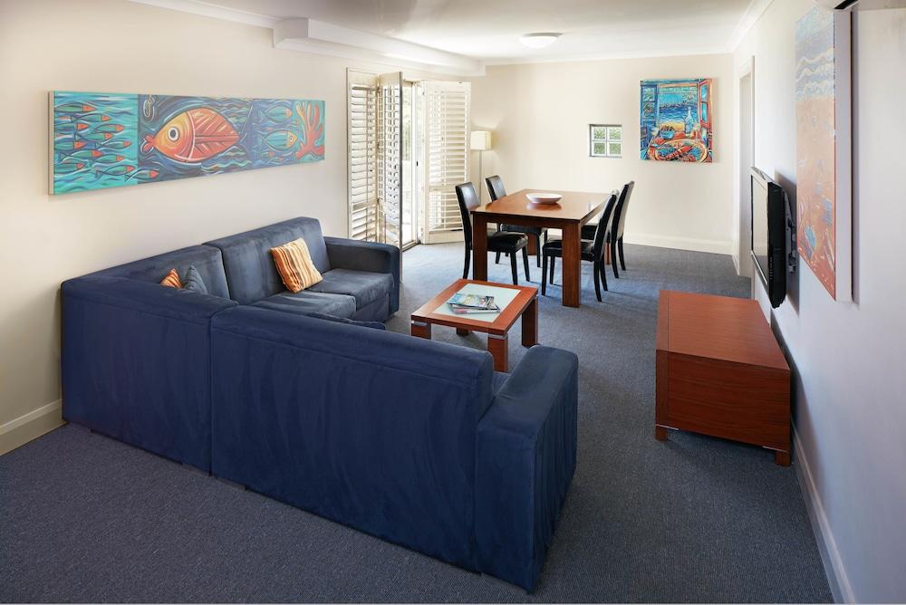 Seashells Scarborough Scarborough Australia Scarborough Stunning 3 Bedroom Apartments Scarborough Decor Collection