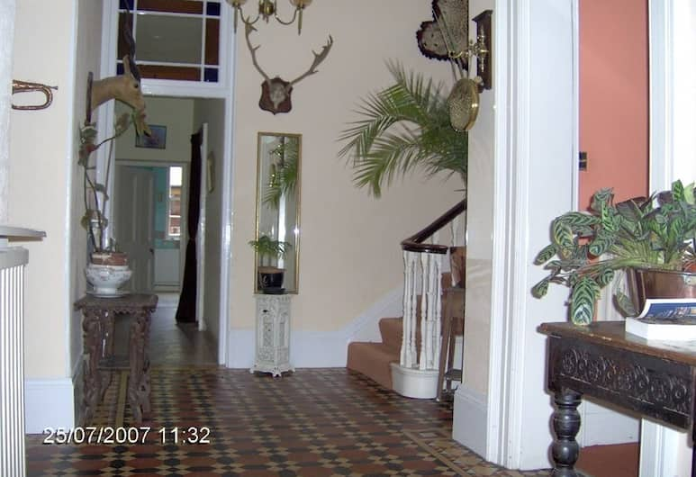 Culm Vale Country House, Exeter, Lobby