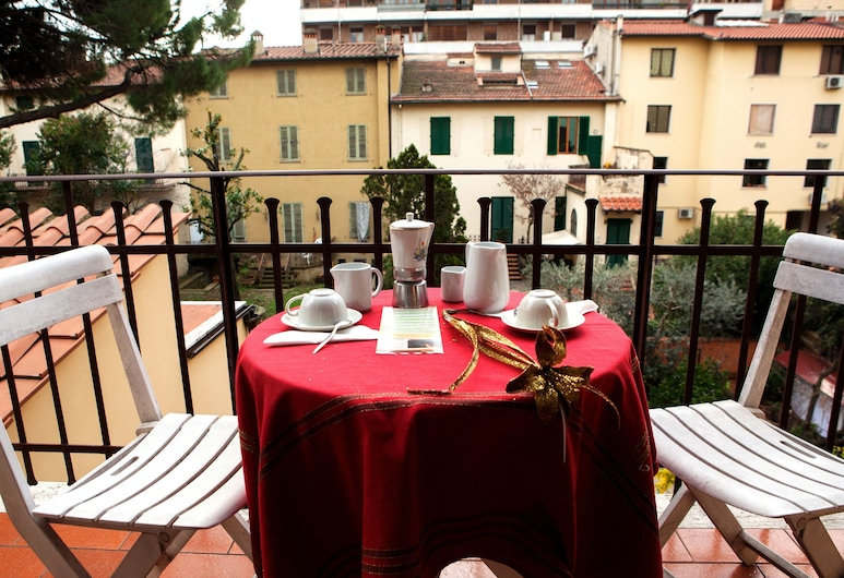 Hotel Villa Il Castagno, Florenz, Vierbettzimmer, Balkon, Balkon