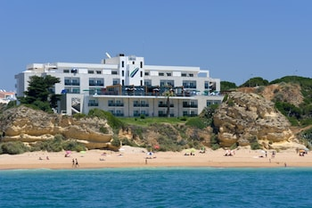 Enter your dates for our Albufeira last minute prices