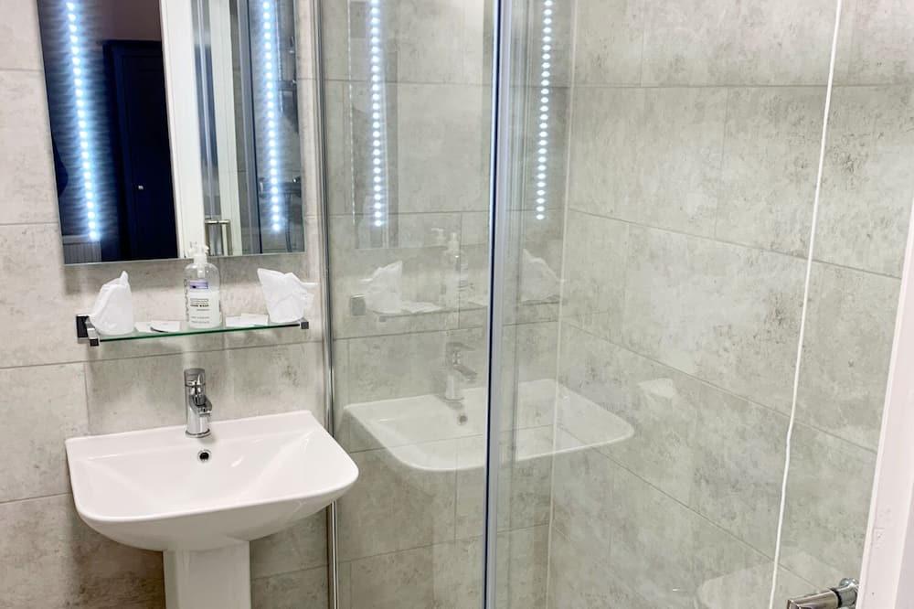 Luksusa numurs, vannasistaba numurā ( 2 Adults & 1 Child) - Vannasistaba