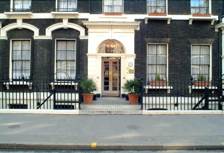 The Garth Hotel, London, Hotellfasad