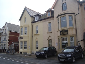 Picture of Tuxford House Hotel in Blackpool