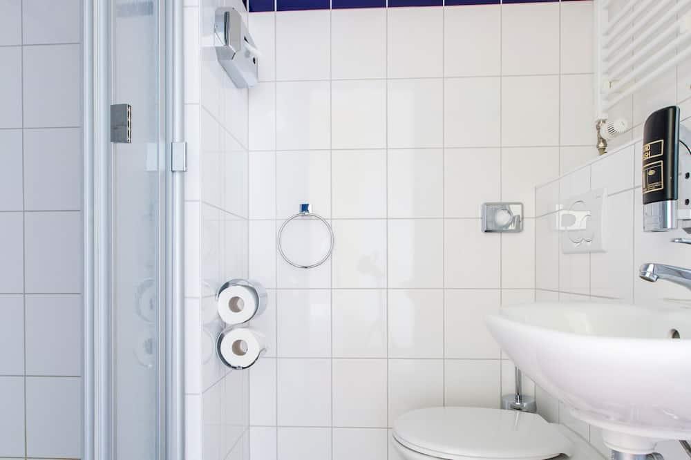Standard tvåbäddsrum - Badrum