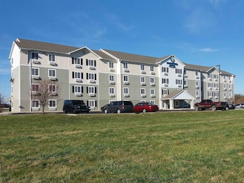 Picture of WoodSpring Suites Champaign in Champaign