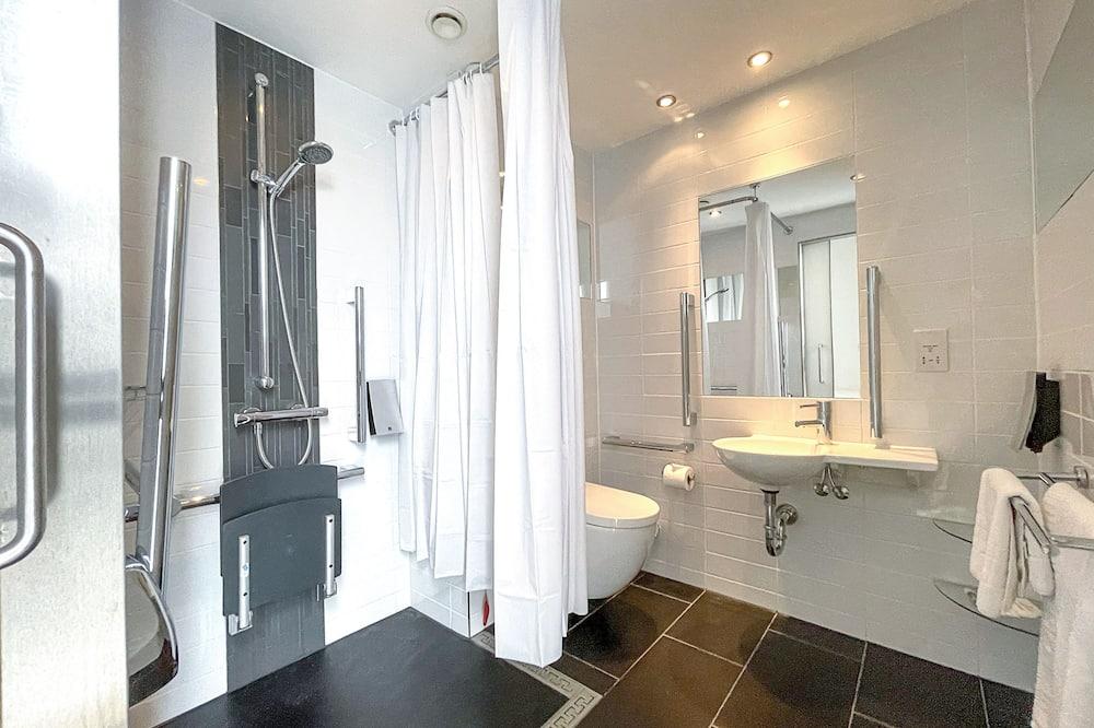 Štandardná dvojlôžková izba, bezbariérová izba - Kúpeľňa
