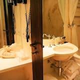 Romantic Room, City View - Bilik mandi