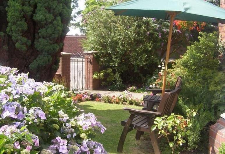 Anton Guest House Bed and Breakfast, Shrewsbury, Jardin