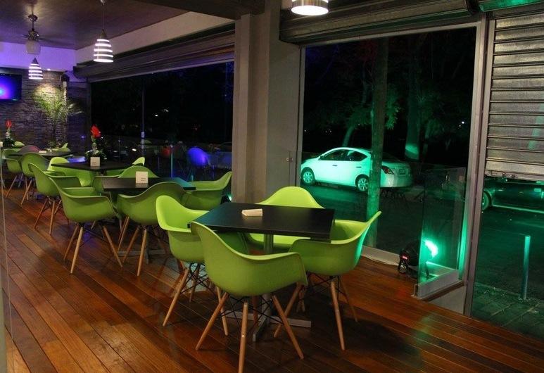 Hotel Diana Del Bosque, Morelia, Ẩm thực