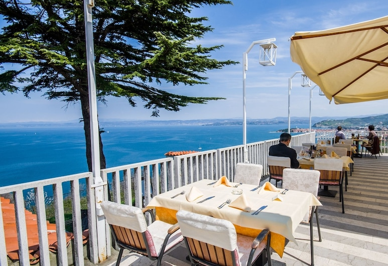 Belvedere Resort Hotels, Izola, Outdoor Dining